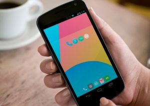 Download Nexus 5 Android 4.4 KitKat Wallpaper and Icons